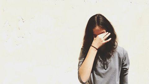 Hair, White, Hairstyle, Beauty, Long hair, Yellow, Shoulder, Arm, Lip, Brown,