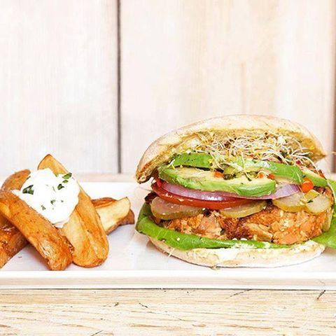 Food, Finger food, Sandwich, Cuisine, Produce, Vegetable, Ingredient, Fried food, Dish, Meal,