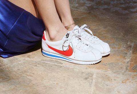 Footwear, White, Shoe, Sneakers, Plimsoll shoe, Leg, Walking shoe, Carmine, Skate shoe, Athletic shoe,