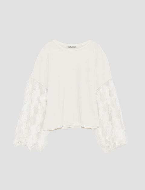 White, Clothing, Sleeve, Outerwear, Blouse, Top, Beige, Sweater, Neck, Crop top,