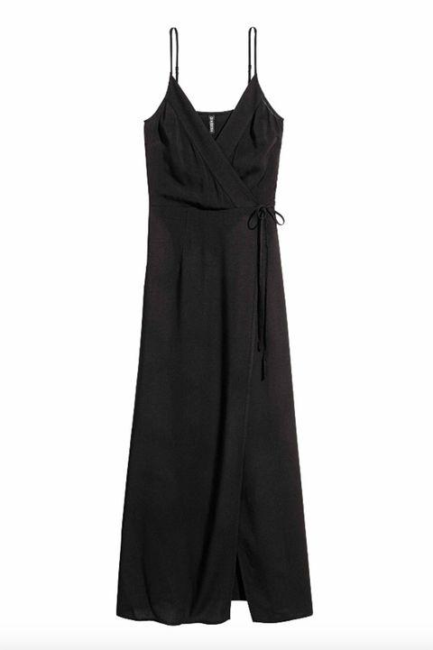 Clothing, Black, Dress, One-piece garment, Day dress, Cocktail dress, Little black dress, Sleeveless shirt, Outerwear, Formal wear,