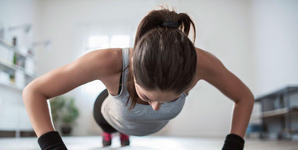 10 ejercicios quema grasas para hacer en casa