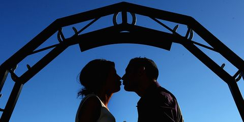 People in nature, Interaction, Romance, Love, Kiss, Arch, Honeymoon, Flash photography, Silhouette, Gesture,