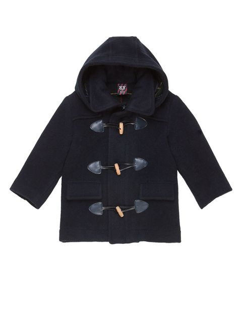 4c5c04a22 Clásica, ideal para resguardar a los pequeños del frío. Con bolsillos  delanteros y cierre con alamares sobre una tira de botones. (39,99 €)