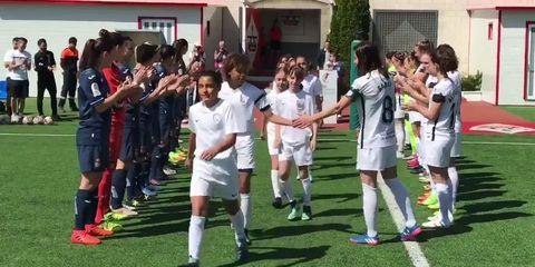 89686a8075025 Las niñas del Madrid Club de Fútbol Femenino (CFF) en categoría Alevín A  (10 y 11 años) han conseguido dos ascensos consecutivos en una liga de  fútbol en la ...