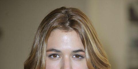 Lip, Hairstyle, Chin, Forehead, Shoulder, Eyebrow, Collar, Style, Eyelash, Iris,