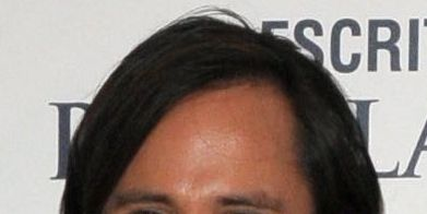 Smile, Cheek, Facial hair, Hairstyle, Eye, Chin, Forehead, Eyebrow, Collar, Happy,