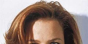 Lip, Cheek, Hairstyle, Chin, Forehead, Eyebrow, Collar, Style, Jaw, Neck,