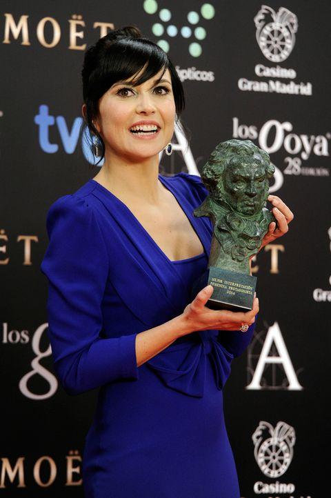 Dress, Electric blue, Eyelash, Premiere, Award, Cobalt blue, Bangs, Long hair, Makeover, Trophy,