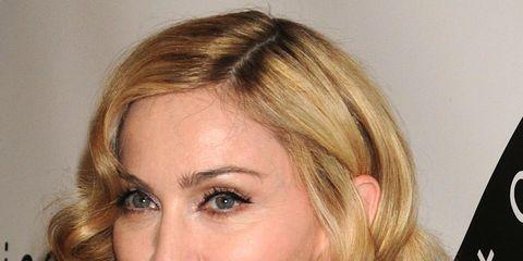 Lip, Cheek, Hairstyle, Chin, Eyebrow, Style, Eyelash, Step cutting, Blond, Feathered hair,