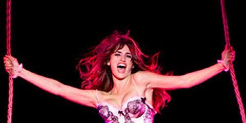 Entertainment, Performing arts, Event, Human leg, Joint, Artist, Pink, Performance, Dancer, Muscle,