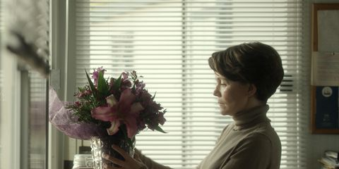 Bouquet, Interior design, Petal, Interior design, Glass, Centrepiece, Cut flowers, Window covering, Flower Arranging, Window treatment,