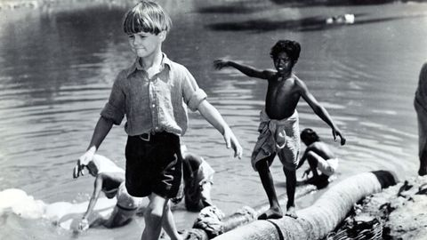 People, Fun, Water, Child, People in nature, Play, Trunks, Playing with kids, Barefoot, Foot,