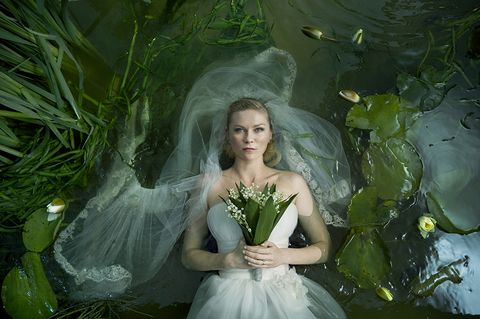 People in nature, Green, Dress, Fictional character, Gown, Plant, Photography, Haute couture, Bride, Photo shoot,