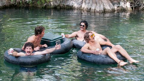 Body of water, Nose, Fun, Recreation, Water, Water resources, Leisure, Summer, Goggles, People in nature,