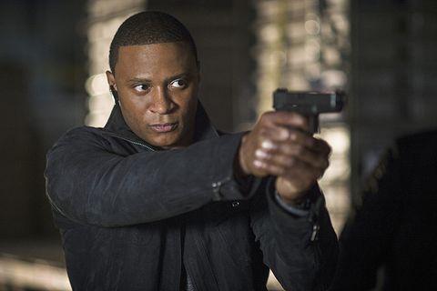 Wrist, Revolver, Shooting, Thumb, Combat pistol shooting, Gun barrel, Air gun, Buzz cut, Gunshot, Gunfighter,