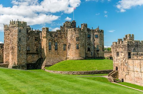 Castle, Building, Fortification, Grass, Wall, Waterway, Sky, Ruins, Medieval architecture, History,