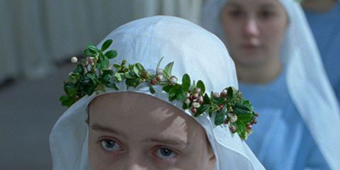 Forehead, Eyebrow, Organ, Iris, Headgear, Photography, Hair accessory, Headpiece, Portrait photography, Headband,