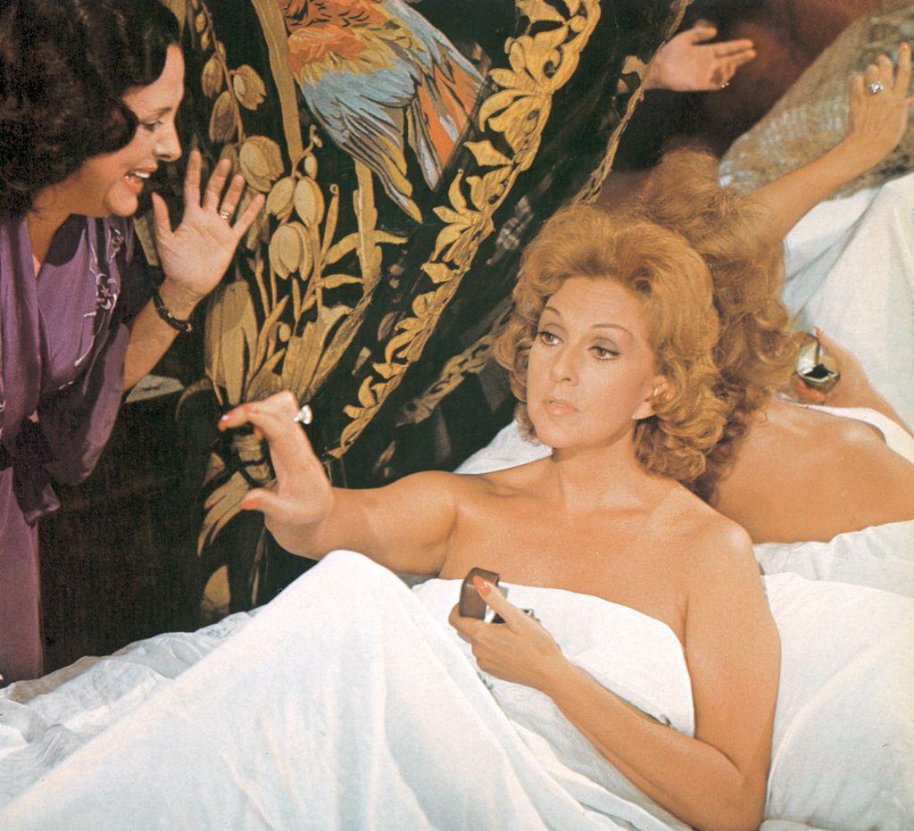 Ana Maria Rios Desnuda el día que murió franco