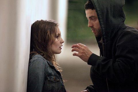 Nose, Hand, Jacket, Interaction, Denim, Gesture, Conversation, Sharing, Step cutting, Scene,