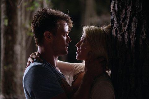Head, Human, Mouth, Interaction, Love, Scene, Romance, Conversation, Gesture, Acting,
