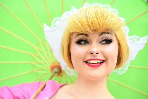 Hair, Face, Eyebrow, Hairstyle, Wig, Blond, Head, Beauty, Skin, Eyelash,