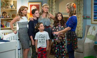 Las 16 Mejores Series De Netflix Para Ver En Familia