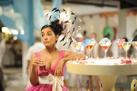 Dessert, Dress, Cake, Sweetness, Baked goods, Headpiece, Cuisine, Party, Cake decorating, Hair accessory,