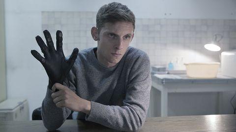 Finger, Hand, Gesture, Arm, Sitting, Thumb, Sign language,