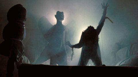 atmospheric phenomenon, human, shadow, screenshot, performance, photography, adaptation, backlighting, darkness, scene,