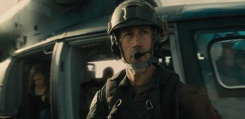 Soldier, Military person, Helmet, Personal protective equipment, Uniform, Military, Headgear, Military uniform, Jacket, Military organization,