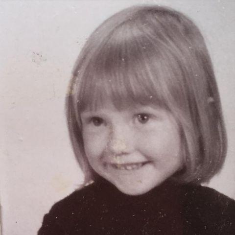 Hair, Face, Hairstyle, Photograph, Bob cut, Head, Chin, Forehead, Bangs, Lip,