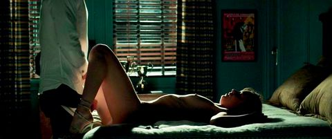 Human leg, Joint, Comfort, Thigh, Knee, Black hair, Muscle, Window covering, Agent provocateur, Model,