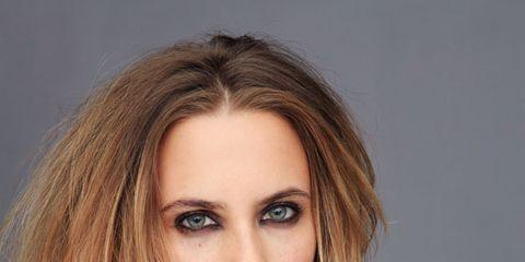 Lip, Hairstyle, Sleeve, Shoulder, Eyebrow, Textile, Eyelash, Beauty, Fashion model, Fashion,