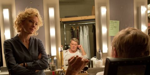 Lighting, Sitting, Comfort, Conversation, Blond, Tablecloth, Layered hair, Linens, Bob cut,
