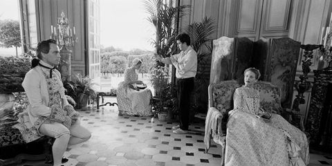Flooring, Floor, Sitting, Flowerpot, Monochrome, Black-and-white, Houseplant, Monochrome photography, Living room, Coffee table,