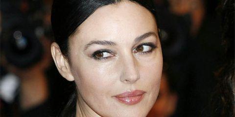 Lip, Hairstyle, Skin, Chin, Eyebrow, Eyelash, Eye shadow, Style, Jewellery, Eye liner,