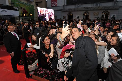 Crowd, Hat, Audience, Carpet, Party, Celebrating, Fan, Cheering, Houseplant, Ceremony,