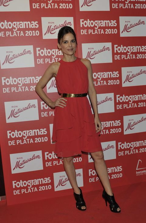 Dress, Shoulder, Shoe, Flooring, Red, Joint, High heels, Premiere, Style, Cocktail dress,
