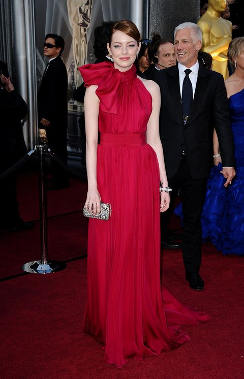 Red carpet, Dress, Carpet, Clothing, Gown, Formal wear, Flooring, Fashion, Premiere, Event,