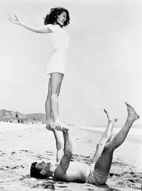 Leg, Human body, Human leg, Photograph, Joint, Elbow, Barefoot, Summer, Waist, People in nature,