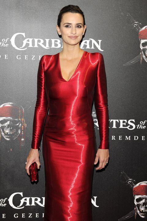 Sleeve, Red, Dress, Style, Fashion, Fashion model, Maroon, Fashion design, One-piece garment, Makeover,