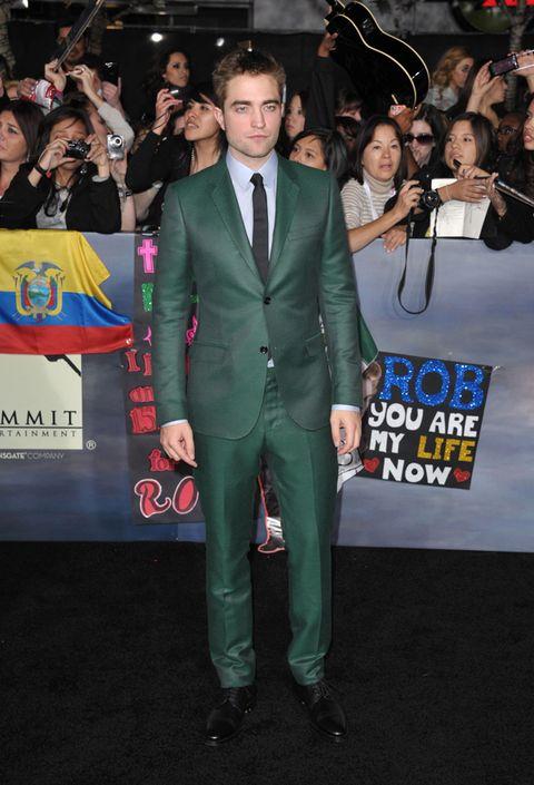 Face, Coat, Event, Trousers, Shirt, Suit, Premiere, Outerwear, Carpet, Formal wear,