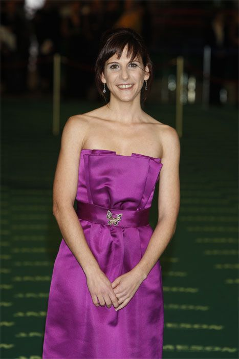 Clothing, Mouth, Smile, Hairstyle, Dress, Eye, Shoulder, Joint, Purple, Strapless dress,