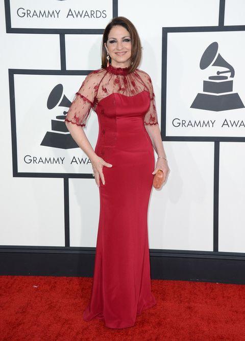 Dress, Shoulder, Red, Flooring, Style, Formal wear, Carpet, Lipstick, Fashion, Waist,