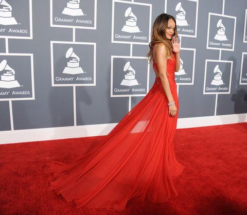 Flooring, Shoulder, Dress, Red, Carpet, Style, Formal wear, Gown, Fashion, Premiere,