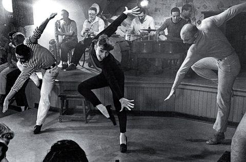 Leg, Social group, Entertainment, Performing arts, Band plays, Monochrome, Dancer, Dance, Performance art, Pop music,