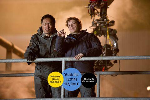 Human body, Jacket, Video camera, Fence, Camera operator, Movie, Crew,