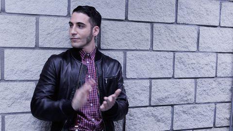 Clothing, Jacket, Collar, Shirt, Dress shirt, Outerwear, Style, Wall, Street fashion, Cool,