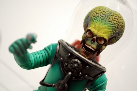 Skull, Green, Joint, Bone, Fictional character, Teal, Toy, Human anatomy, Armour, Brain,